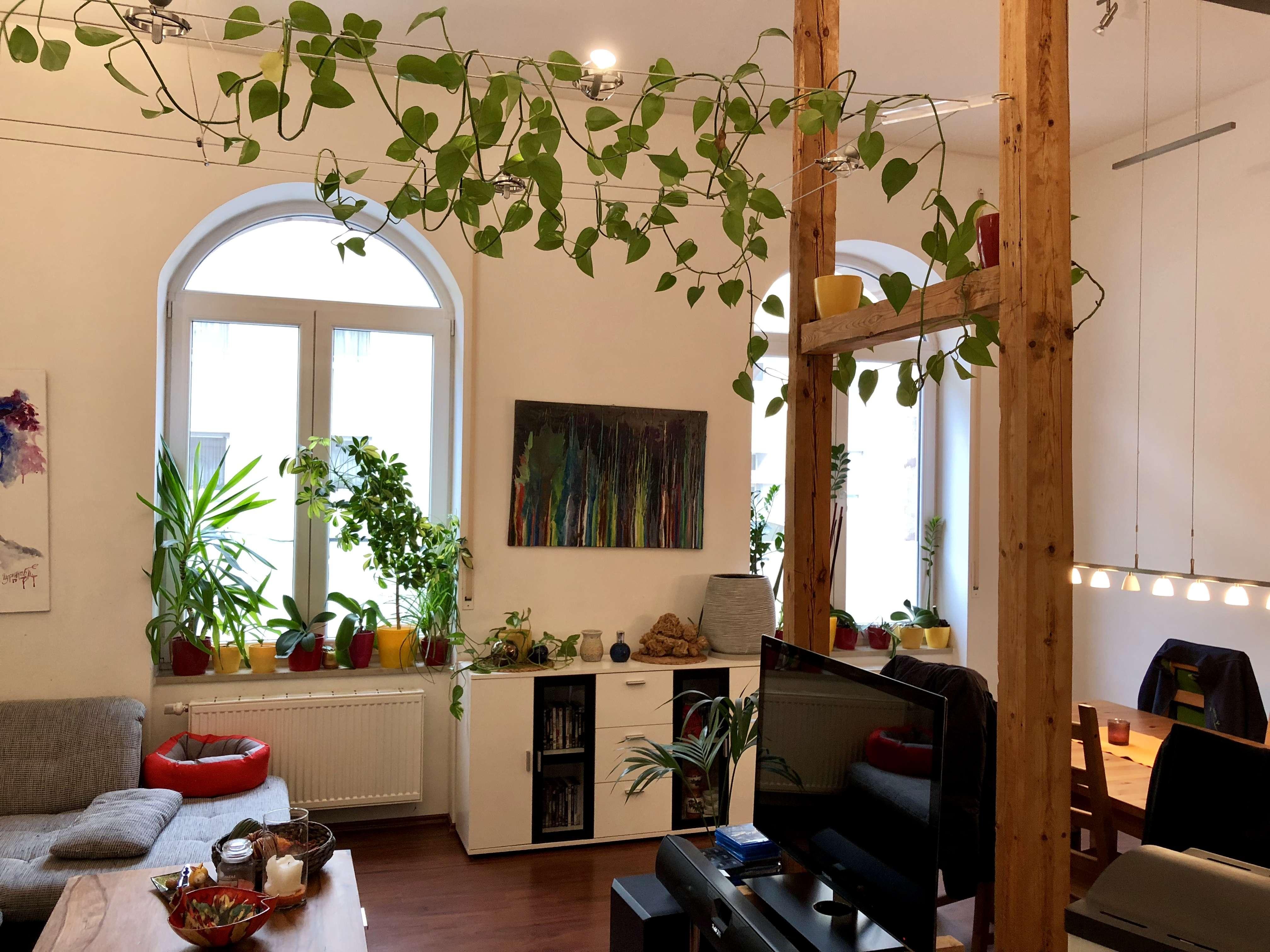 Moderne Maisonettewohnung mit Einbauküche, Balkon, Hobbykeller sowie Klimanlage in
