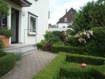 Gepflegte Dachgeschosswohnung mit Gartenmitbenutzung