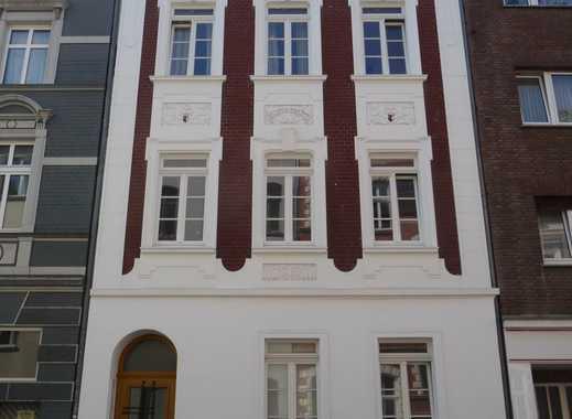 traumhafte 2 Zimmer Wohnung - mit Balkon - Altbau