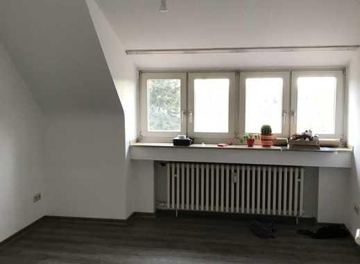 Helle Dachgeschosswohnung | 3 Zimmer | Köln-Poll