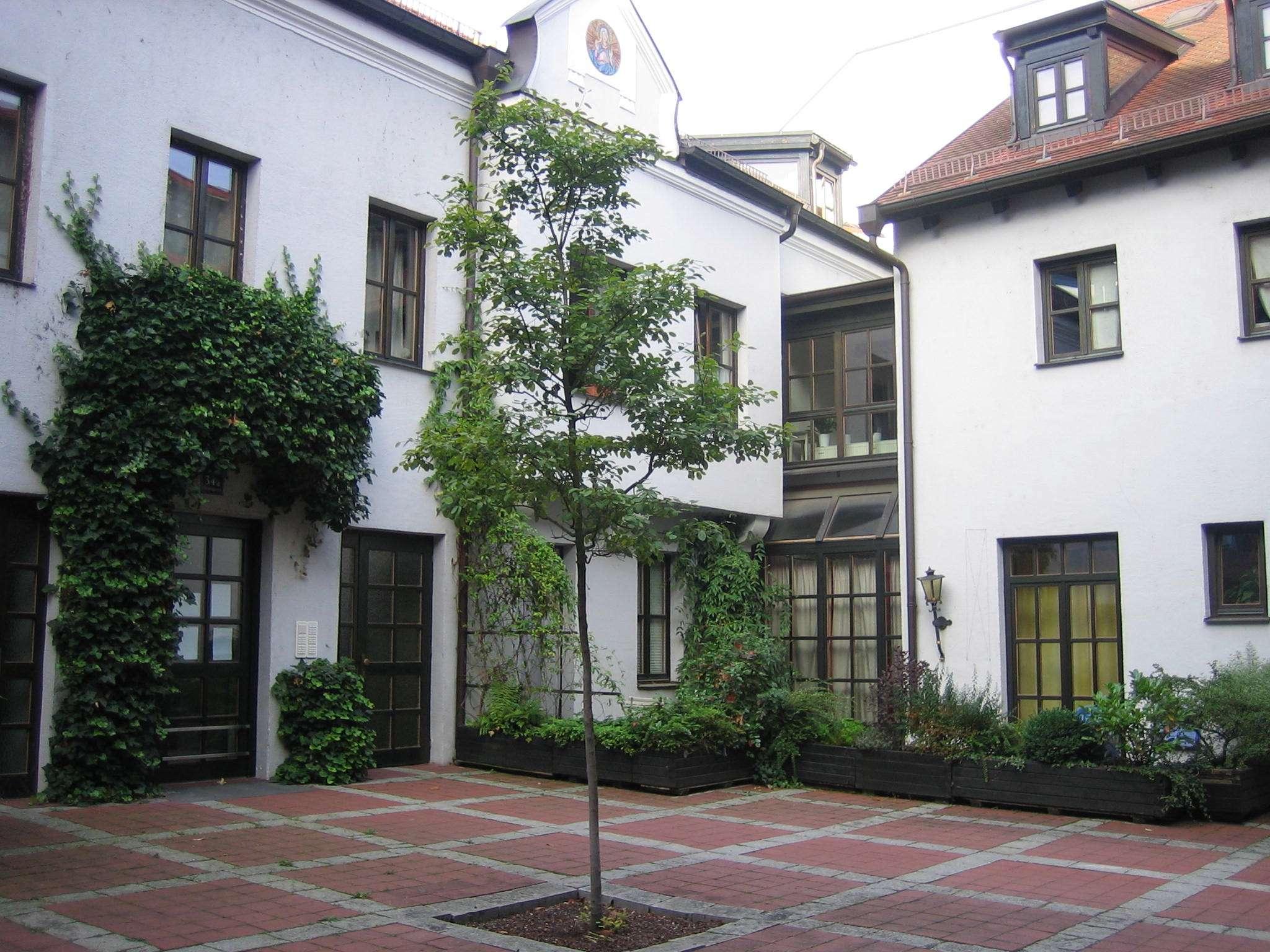 Denkmalgeschützte Galeriewohnung in der Altstadt mit Domblick in Regensburg-Innenstadt