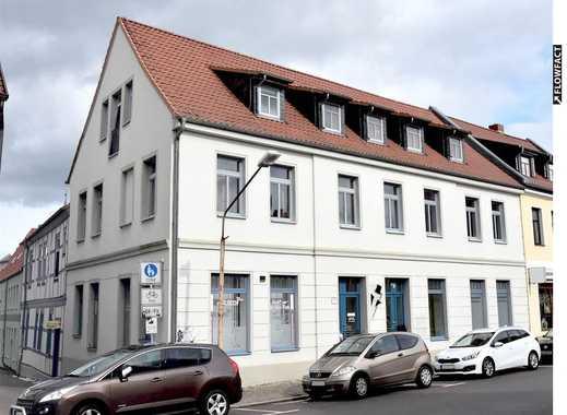 Ehemaliger Friseursalon, 75m², in Burg-Zentrum, für Kosmetik-Nails-Gesundheit-Physio-Versicherung