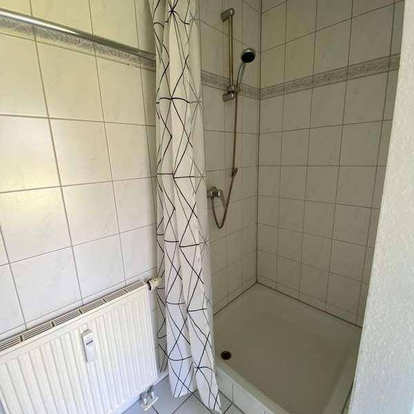 *** schöne, helle 2-Zimmer-Erdgeschoss-Wohnung mit Terrasse, Balkon u.  Küche ***