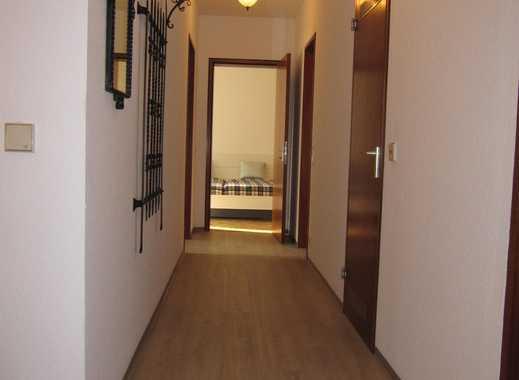 Großzügige 3,5 Zimmerwohnung inkl. EBK, Balkon, TG-Stellplatz - nähe Klinikum