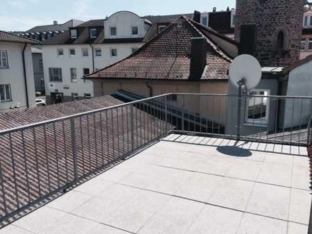 Schicke Dachterrassenwohnung mit Einbauküche, Fußgängerzone zu vermieten... in Bad Kissingen