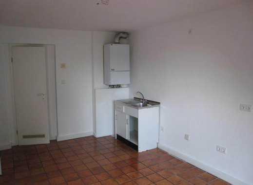 Schöne-charmante renovierte 2 Zimmerwohnung mit Bad und Diele in Düsseldorf-Flingern-Nord.