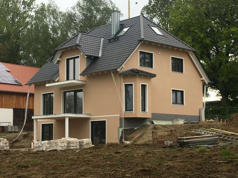 Moderne, sehr helle  4-Zimmer-Wohnung in Niederdorf  ( Hilgertshausen-Tandern)