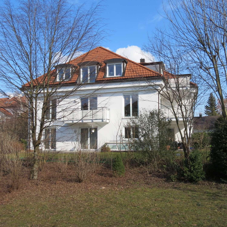 Dachgeschoss 3 Zimmer Wohnung mit Balkon in Aubing (München)