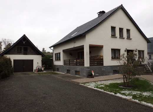 Sehr gepflegtes 1-2 Familienhaus in ruhiger Lage auf großem Grundstück