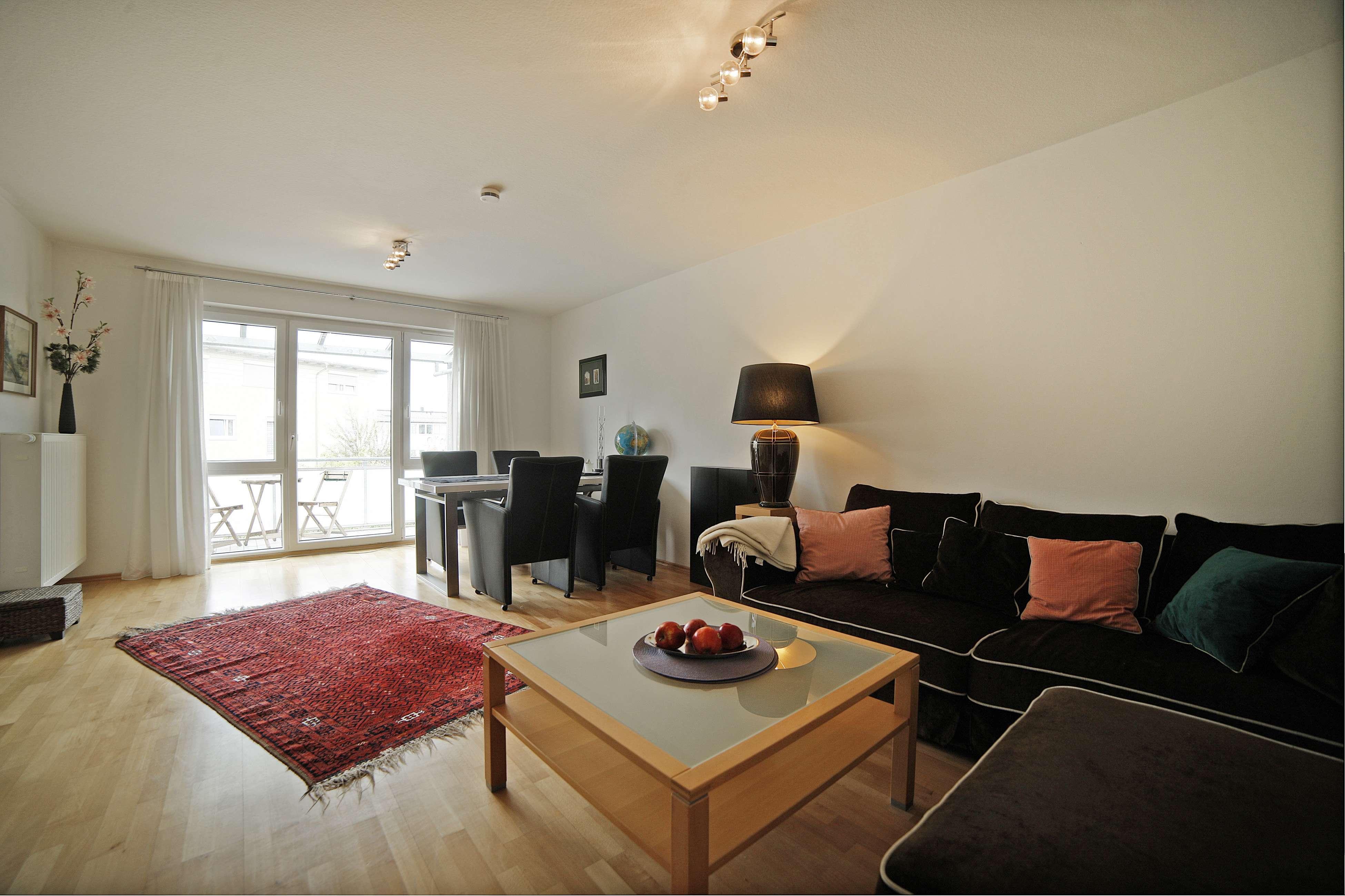 Exklusive, gepflegte 3-Zimmer-Wohnung mit Balkon in Haar, 2. OG in Haar (München)