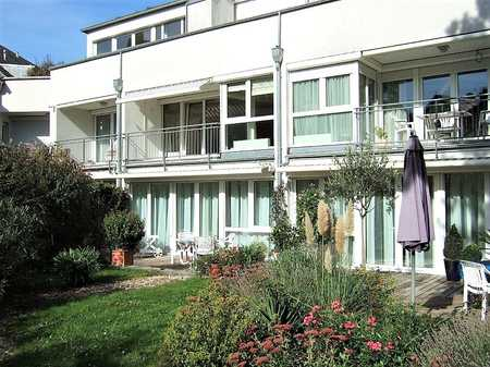 innerer Westen, Stadtparknähe, zwei Zimmer mit Diele, Balkon und EBK in Westenviertel (Regensburg)