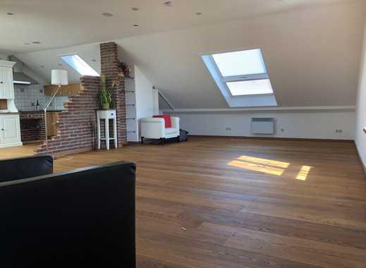Stilvolle, neuwertige 3-Zimmer-Terrassenwohnung mit Terrasse und Einbauküche in Germering