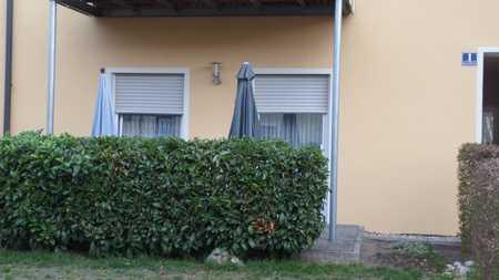 Stilvolle, neuwertige 2-Zimmer-EG-Wohnung mit Terrasse und Einbauküche in Gaimersheim in Gaimersheim
