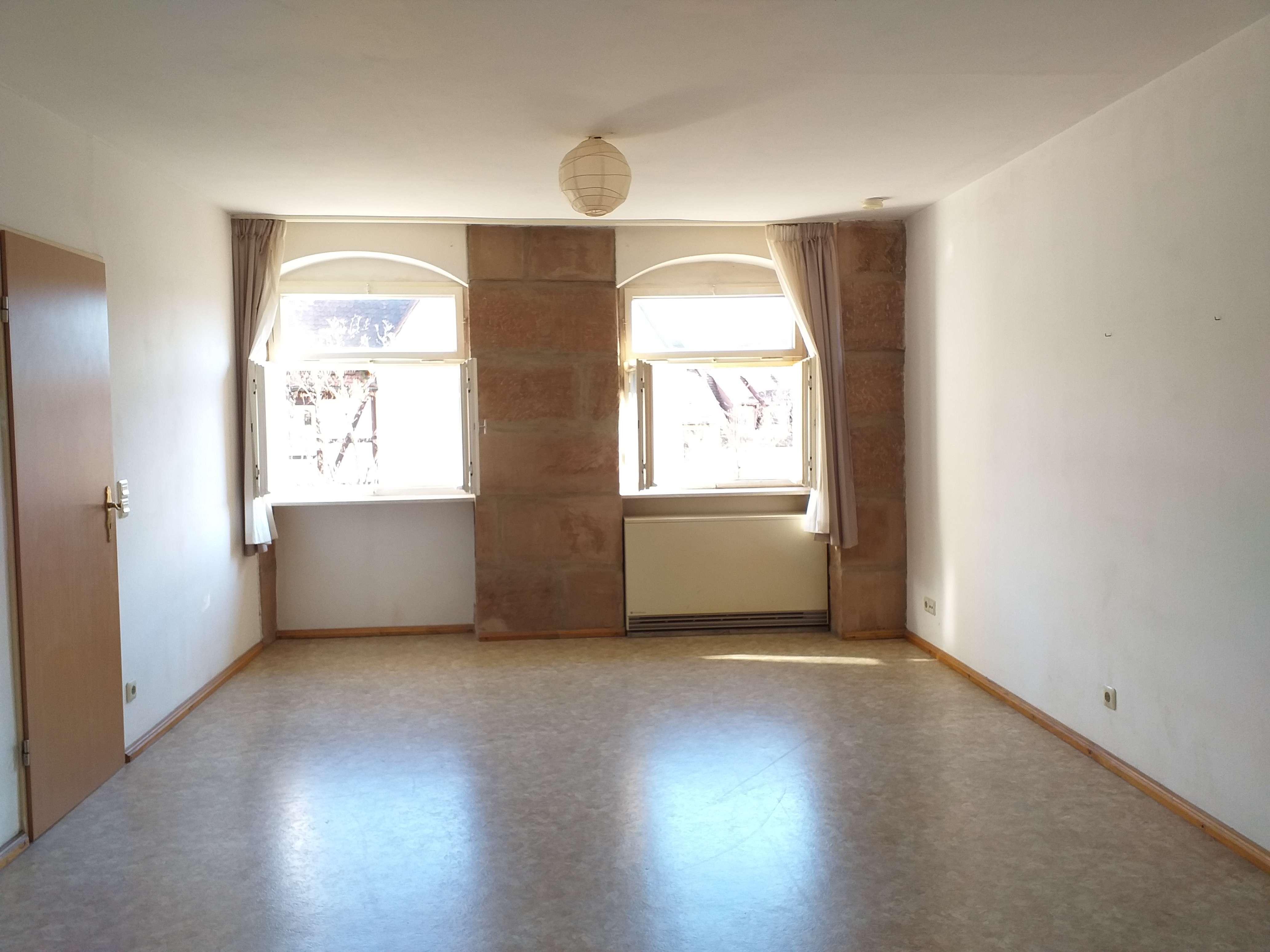 Nürnberg Sebald: 2,5- Zimmerwohnung direkt in der Altstadt; ab sofort verfügbar