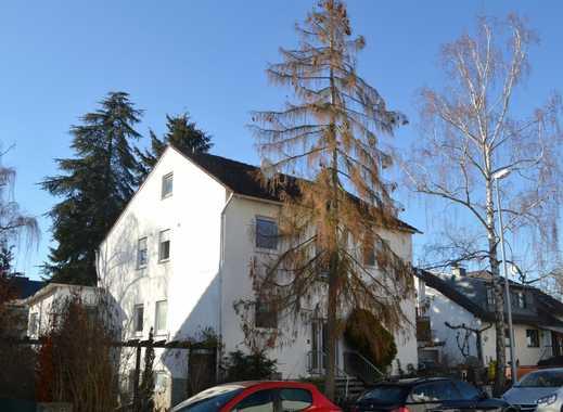 Schönes Zweifamilienhaus mit Ausbaupotential