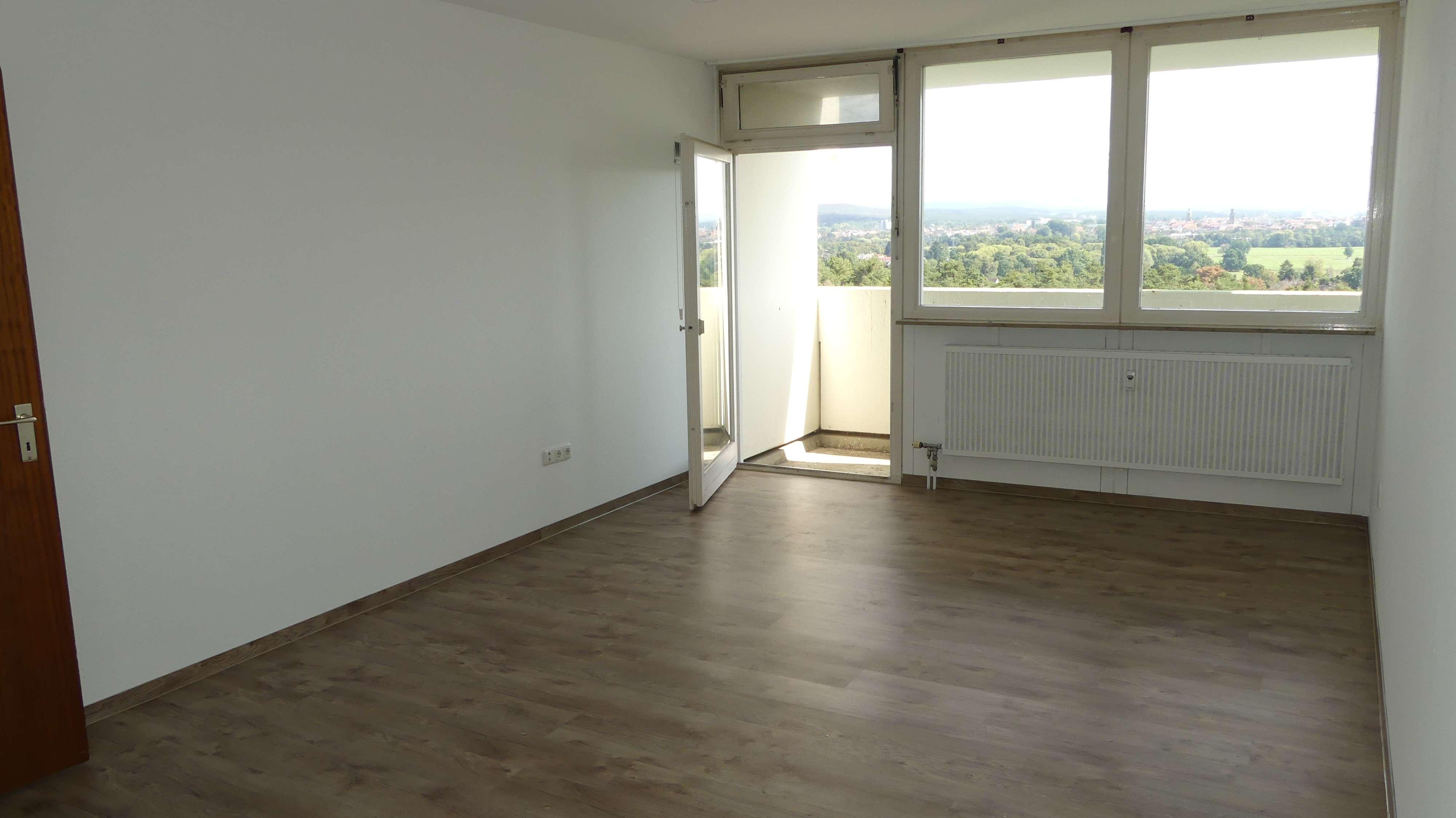 Ruhige, helle 1-Zimmer-Wohnung in Erlangen in Büchenbach