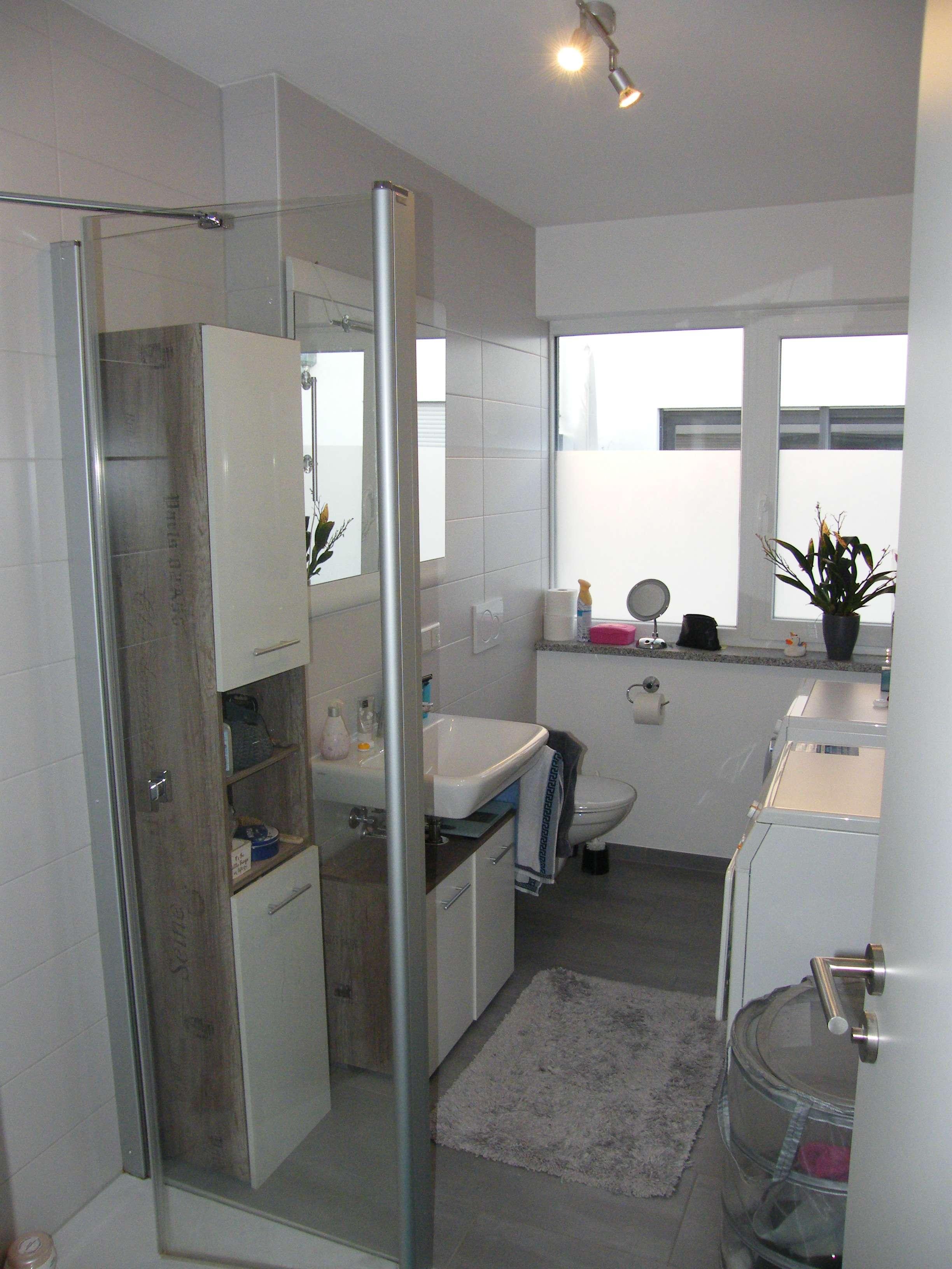 Moderne Neubauwohnung mit zwei Zimmern, EBK im Wohnraum, West-Balkon, 1.OG, 2 TG-Stellpl., ab 01.02. in Manching
