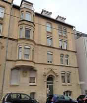 Schöne 3 5-Zimmer-Wohnung mit Balkon