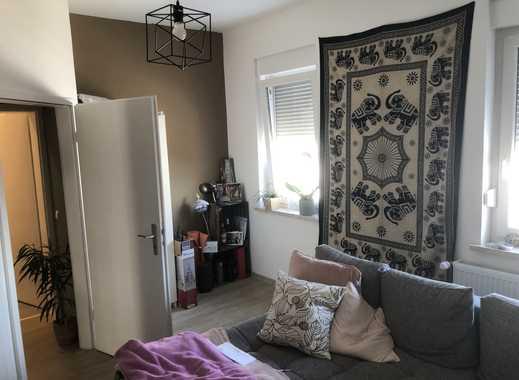 Gepflegte 2 ZKB Wohnung mit schöner Einbauküche