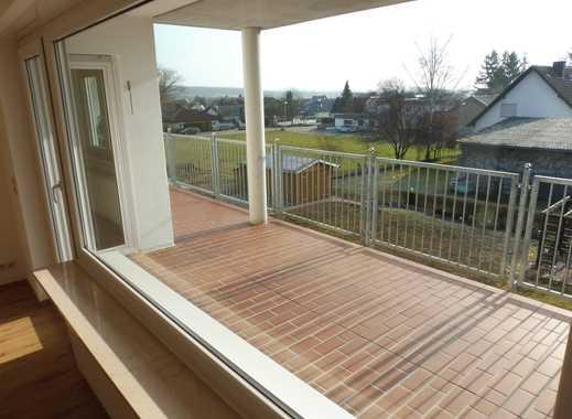 Schöne, geräumige und ruhige, Drei-Zimmer Wohnung in Alzey-Worms (Kreis), Gau-Bickelheim und Balkon