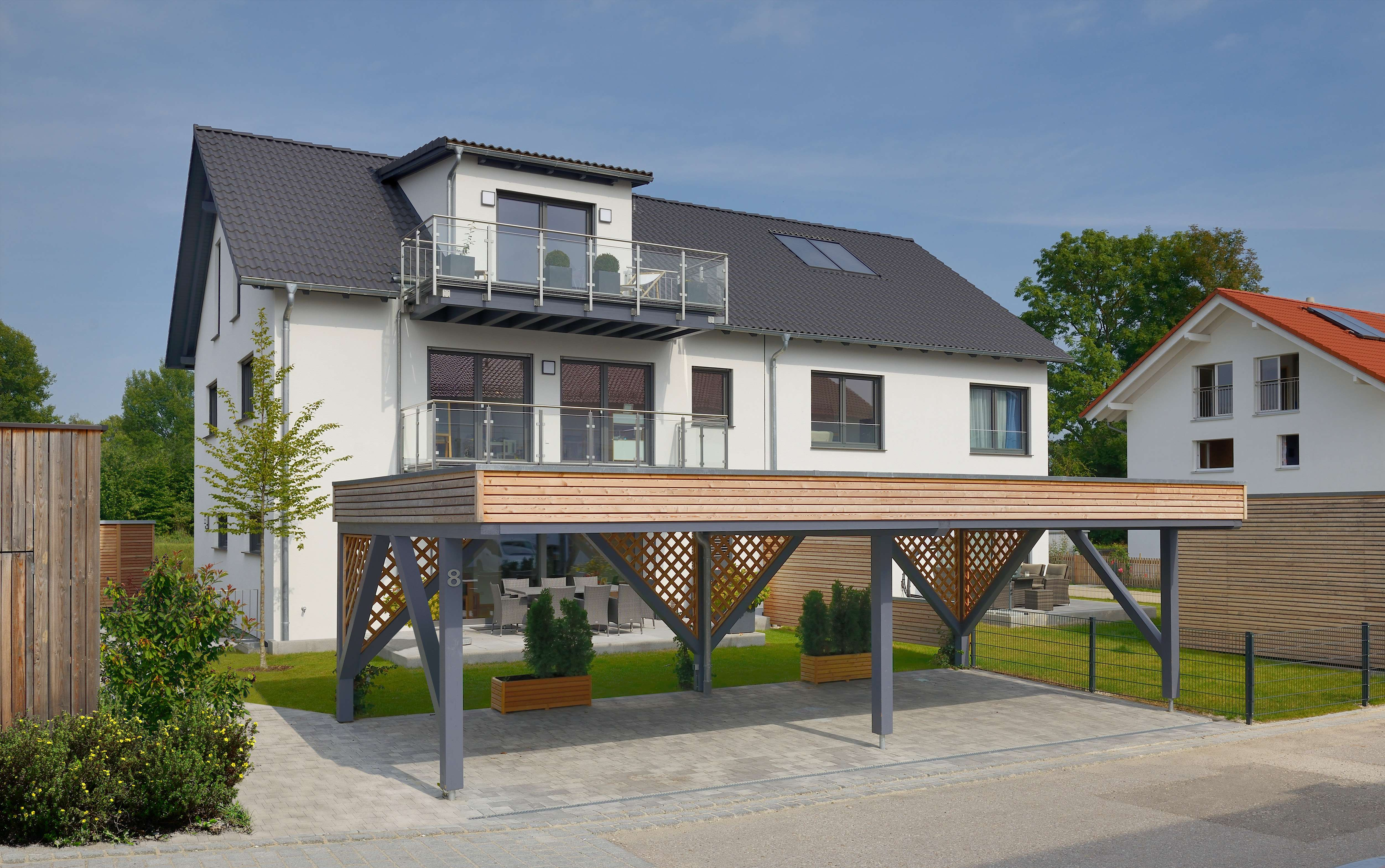 luxuriöse 250 qm DHH mit 3 Balkonen, Terasse und Sauna in ruhiger Lage in Erding