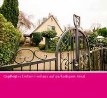 Gepflegtes Einfamilienhaus auf parkartigem Areal