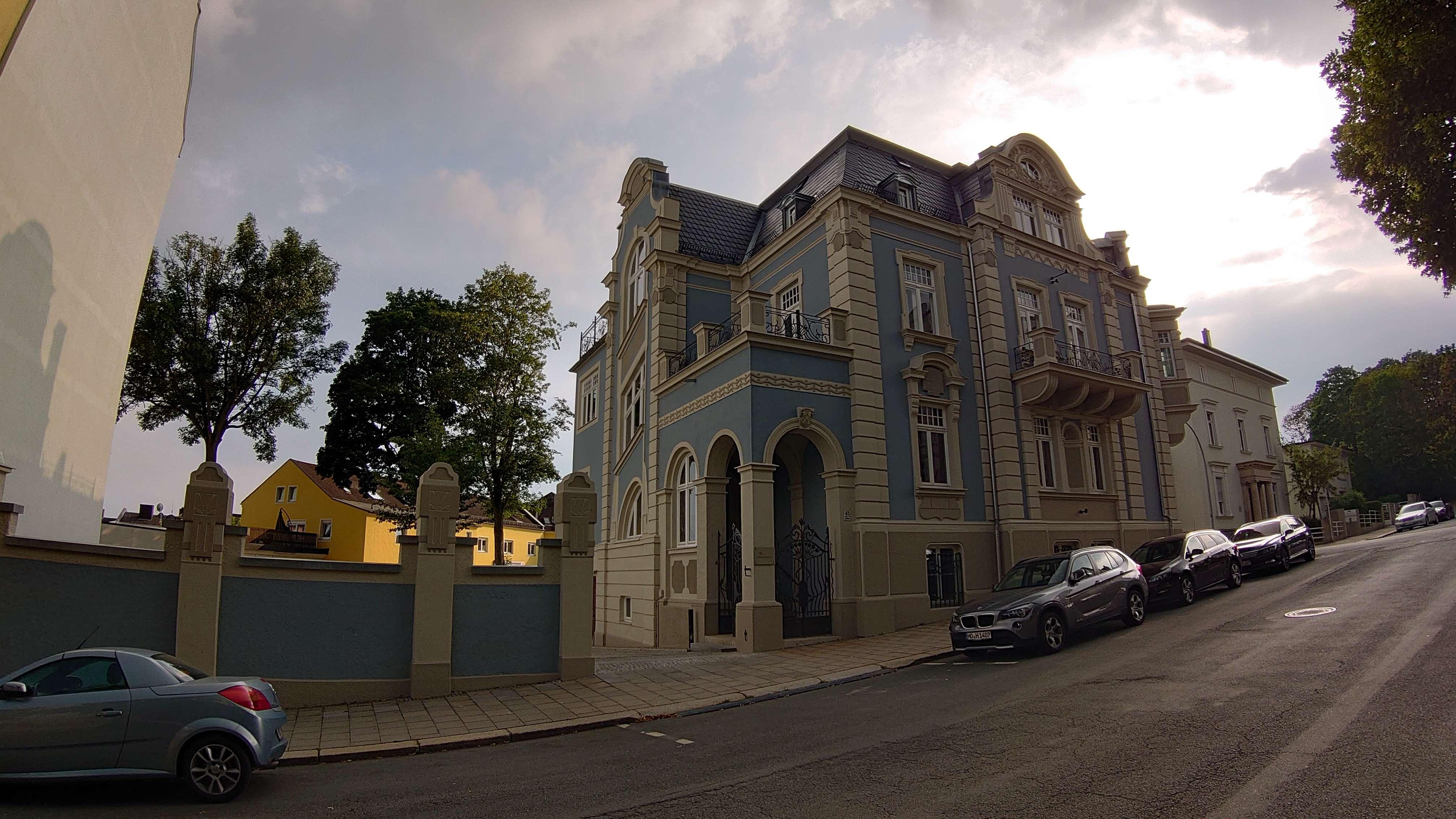 Aufwendig sanierte Jugendstil-Wohnung in Hof/Saale, Innenstadt in