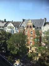 Dichterviertel Attraktive 4-Zimmerwohnung plus Turmzimmer