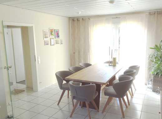 Reserviert!!! Und Platz hat's auch: EFH mit Terrassen, Balkon, Garten, Doppelgarage und 170 m² Wfl.!