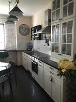 Schöne Altbau 3-Zimmer-Wohnung mit Balkon