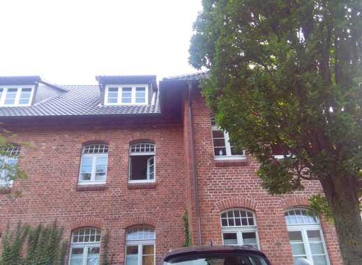 Sehr schöne und modernisierte 4-Zimmer-Altbauwohnung in sehr guter Lage!!!