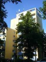 Bild PKW-Stellplatz (auch mehrere im Paket) auf beschranktem Innenhof nahe S-Bhf. Bellevue zu vermieten!