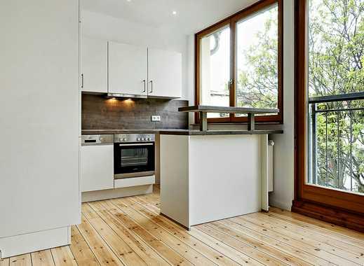 Maisonettewohnung mit Einbauküche, Holzdielen und Wannenbad