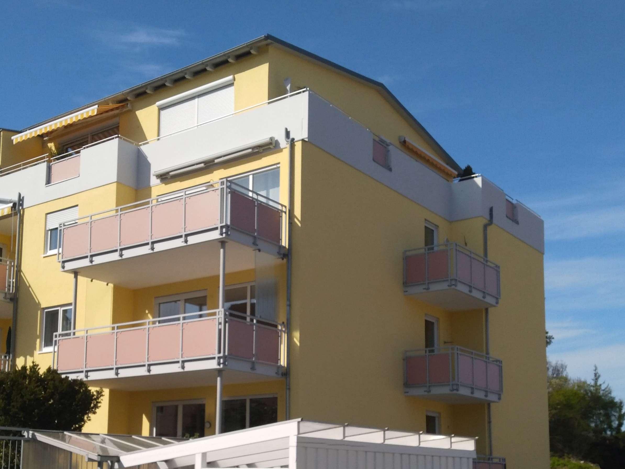Helle gepflegte 3-Zimmer-Wohnung mit 2 Balkonen und Aufzug in Lappersdorf,  1.Stock in
