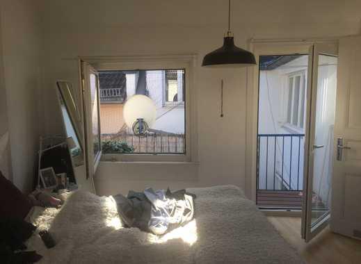 Wie in Klein Paris - über den Dächern - zentraler geht es nicht - EBK - Balkon