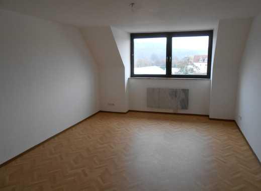 Attraktive, helle 3-Zimmer-Dachgeschosswohnung zur Miete in Sinzing