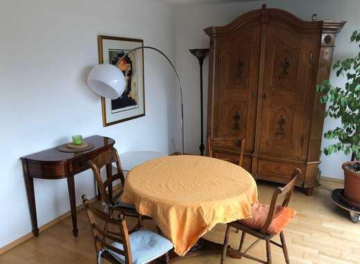 Schöne, geräumige drei Zimmer Wohnung in Stuttgart, Degerloch hochwertig möbliert 1-2 Jahre