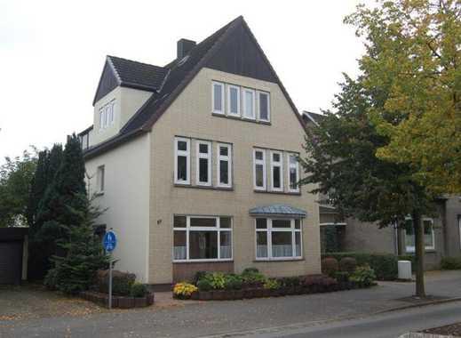Gepflegte 3 1/2-Zimmer-Wohnung mit Balkon im 1. Obergeschoss in Lohe-Rickelshof, Kreis Dithmarschen