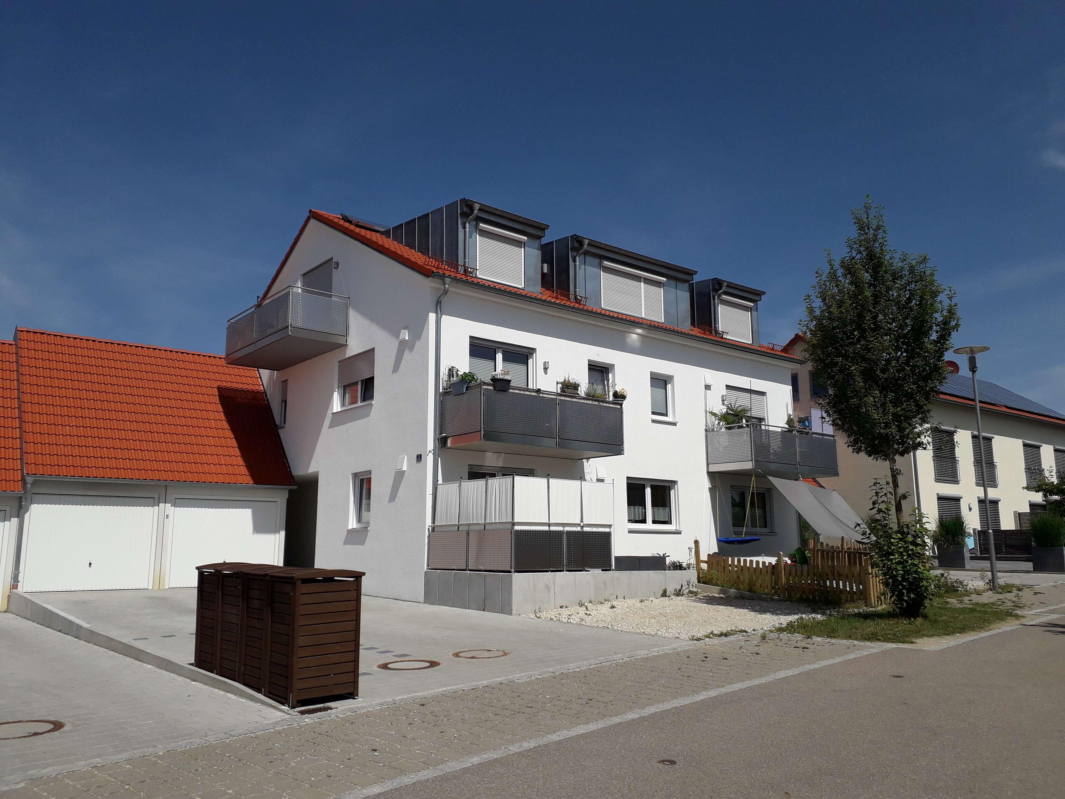 Neuwertige 4-Zimmer-Erdgeschosswohnung mit Terasse und kleinem Garten in Altomünster