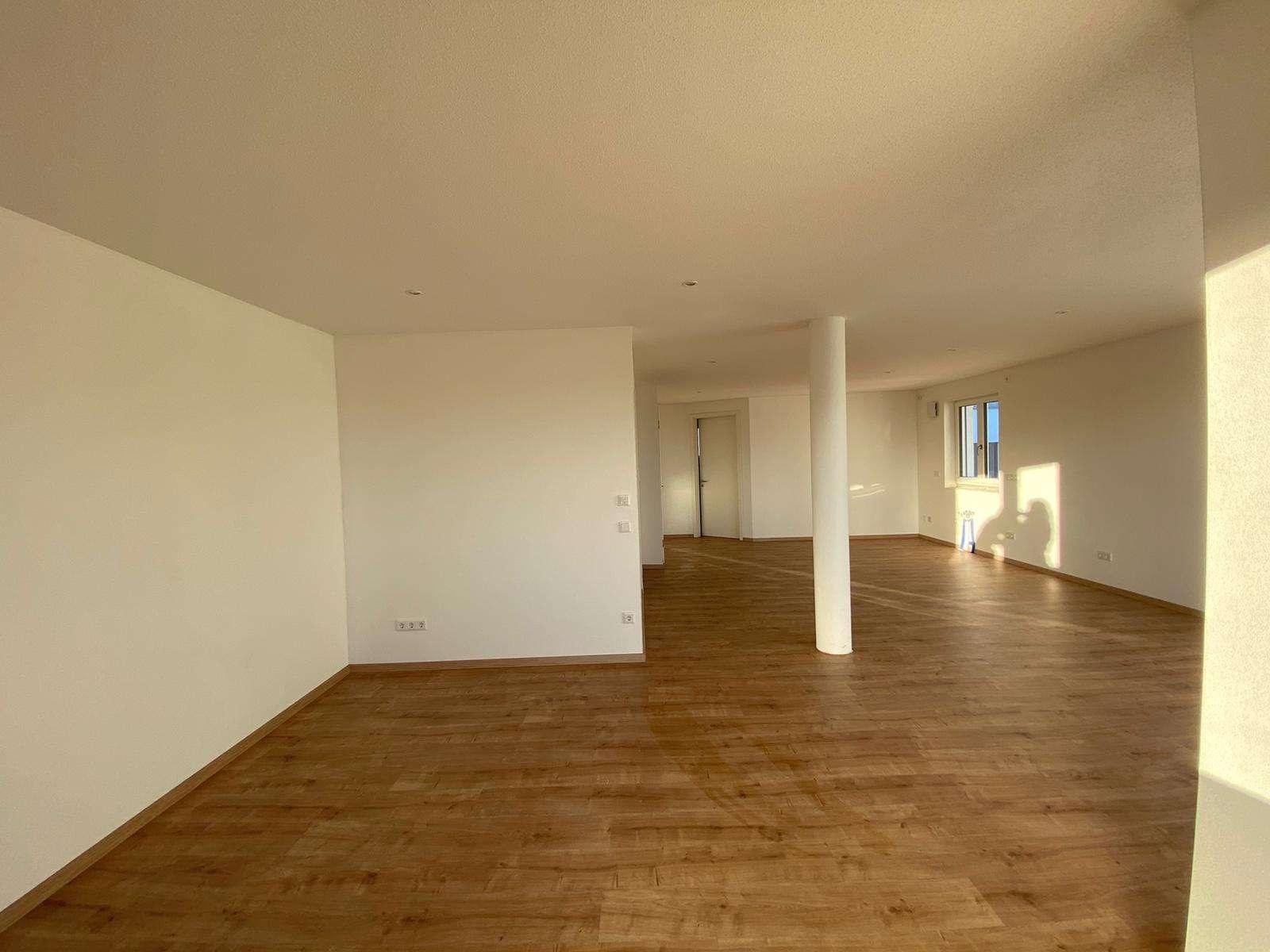Erstbezug einer 4,5-Zimmer-Etagenwohnung mit Balkon und schöner Aussicht in