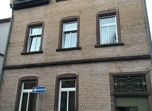 Schöne und gutgeschnittene 2-Zimmer-Wohnung mit Balkon und EBK in Worms