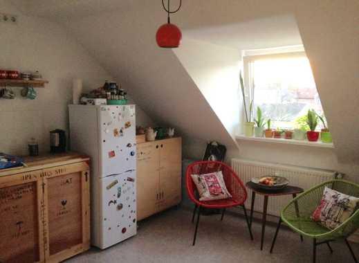 Helle Dachgeschosswohnung in ruhiger, zentraler Lage