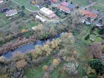 Online-Auktion Baugrundstück mit Teich nahe