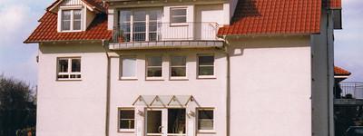 Schöne 3- Zimmer- Wohnung mit Balkon und Carport