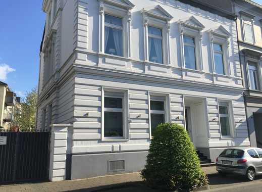 Neuwertige 2-Zimmer-DG-Wohnung mit Balkon in Mönchengladbach