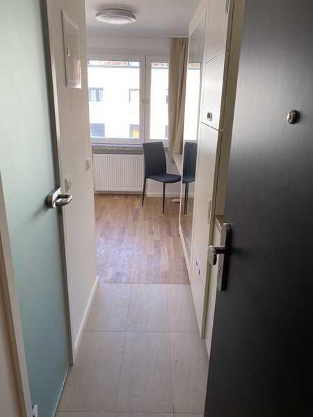 TOP LAGE ! Möbliertes NEU saniertes 1 ZKB-Appartement  in Maxvorstadt in Maxvorstadt (München)