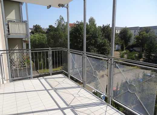 Großzügige Dreiraumwohnung mit Balkon und Fahrstuhl - barrierearm