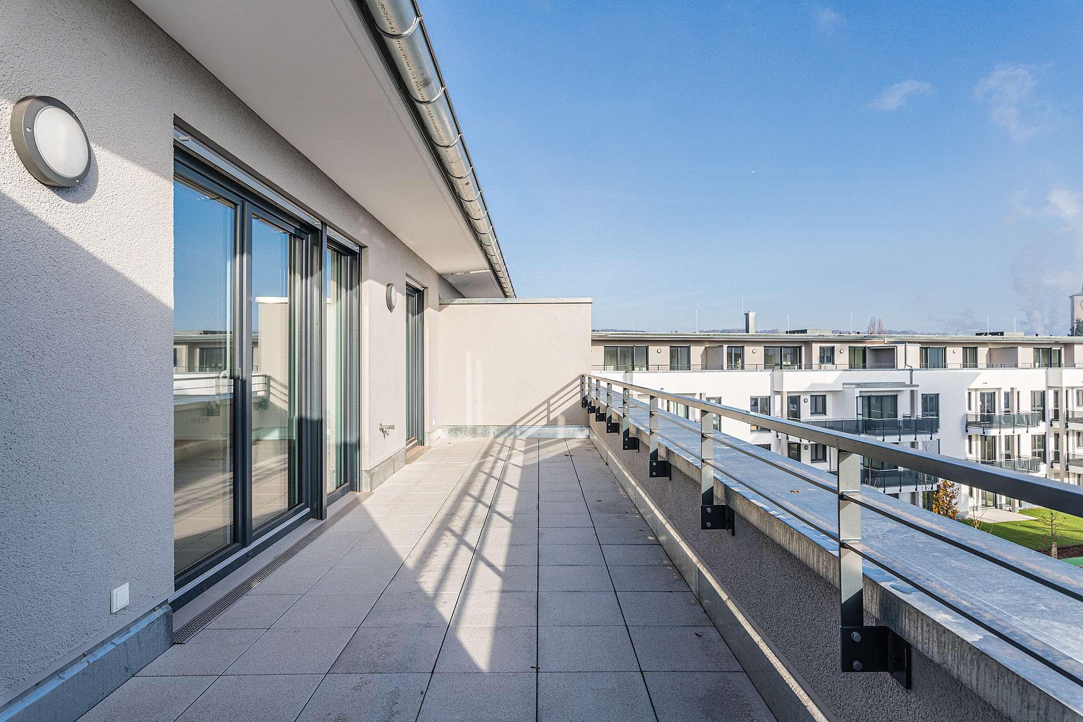 Erstbezug in bester Lage! Lichtdurchflutete Penthouse-Wohnung mit toller Dachterrasse! in Damm (Aschaffenburg)