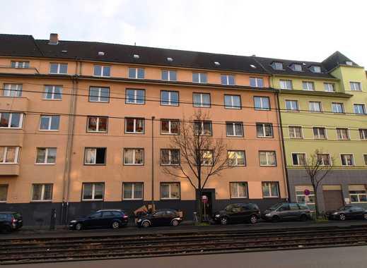 Verkehrsgünstiges, zentrales Wohnen in Deutz! Teilmodernisierte 123 m²-WHG im 4.OG mit kl. Ostbalkon