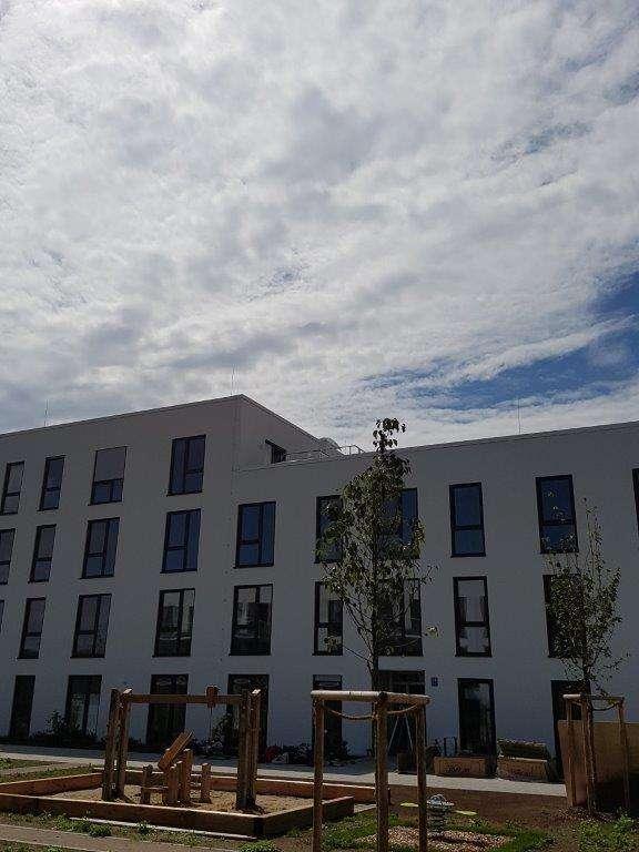 HEGERICH: Traumhafte 2-Zimmer-Dachgeschosswohnung mit gemütlicher Dachterrasse in Perlach (München)
